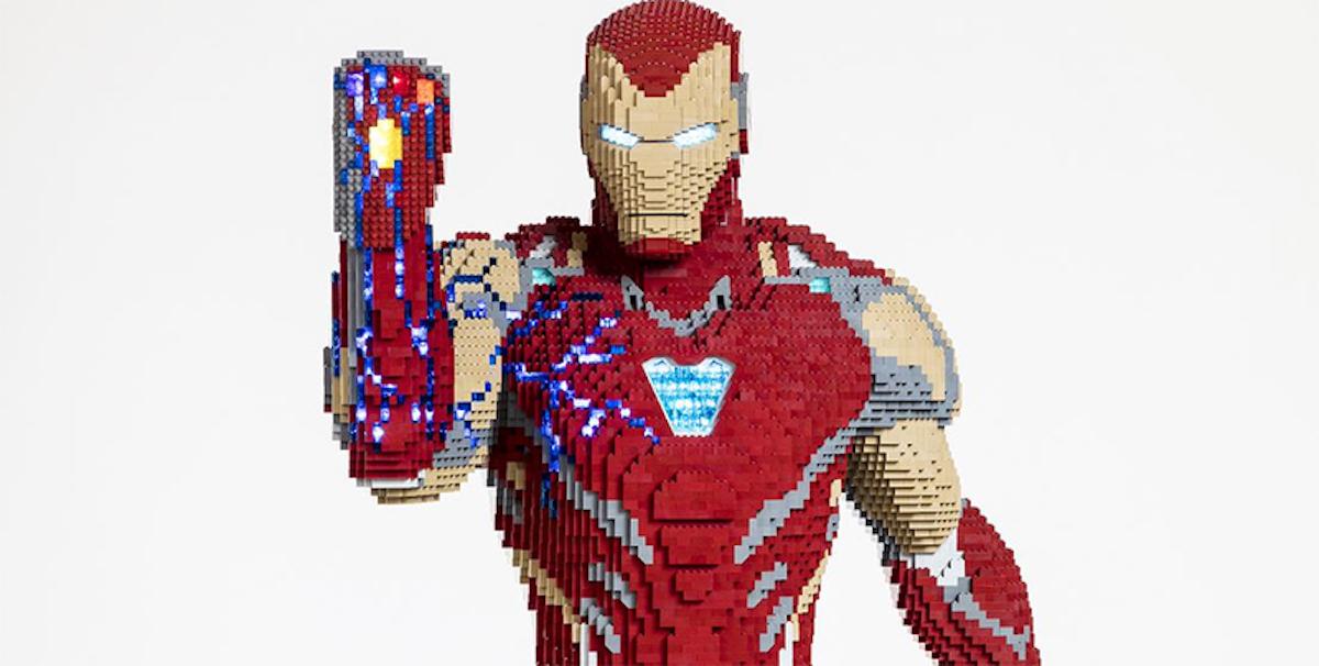Une statue grandeur nature d'Iron Man intégralement