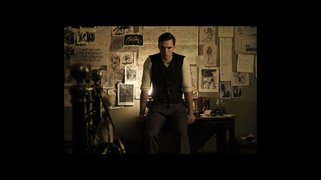 Los Angeles en vente en ligne économiser jusqu'à 80% Tolkien : premières images de Nicholas Hoult dans la peau de ...